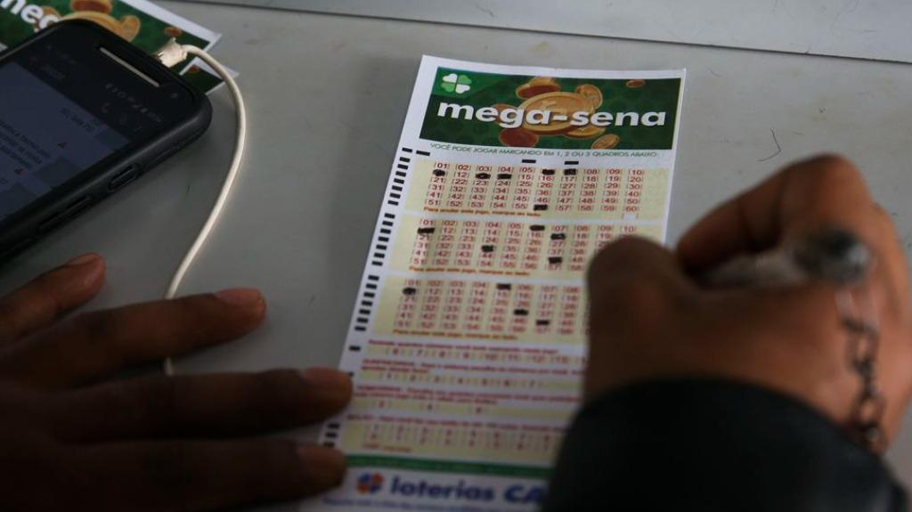 Veja como é feito o resgate da Mega-Sena (Foto: Antônio Cruz/Agência Brasil) - Foto: divulgação