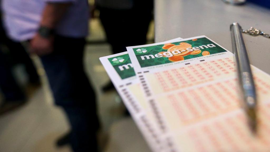 Mega-sena acumulou novamente em sorteio desta quarta-feira à noite (Foto: Marcelo Camargo/Agência Brasil) - Foto: Marcelo Camargo/Agência Brasil