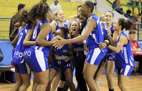ACidade ON - Araraquara - Meninas de Araraquara venceram grandes equipes e conquistaram a medalha de ouro