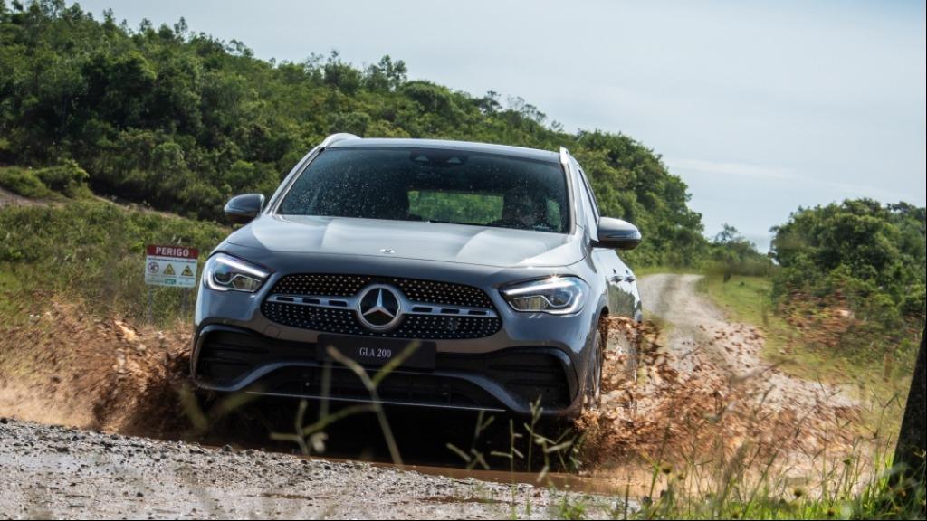 Mercedes Benz GLA 200 AMG - Foto: Divulgação