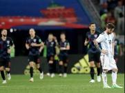 Goleiro entrega e Croácia afunda Argentina