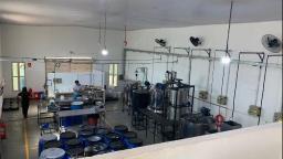 Fábricas são fechadas por suspeita de usar etanol em álcool gel