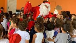 Moradores realizam festa de Natal para crianças no Fagá