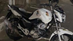 Adolescente é detido com moto furtada em São Carlos