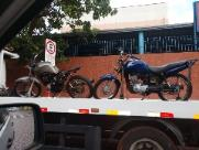 Jovens são detidos com motocicletas sem numeração e placas