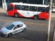 Motorista faz manobras perigosas e causa pânico no Taquaral