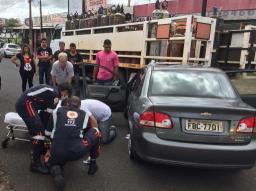 Motorista sofre acidente na Vaz Filho após deixar UPA da Vila