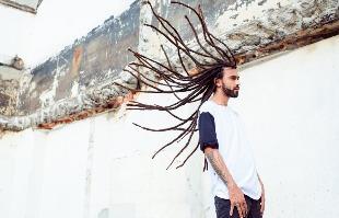 Ariel Martini / Divulgação - Msário traz a cabeleira e um rap cheio de misturas para os fãs do gênero