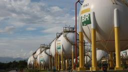 Petrobras nega risco de desabastecimento e cortes em pedidos de combustíveis