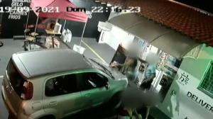 Vídeo mostra grávida sendo agredida por marido em Araraquara