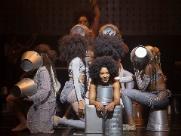 Musical sobre a vida da cantora Elza acontece no Teatro Municipal