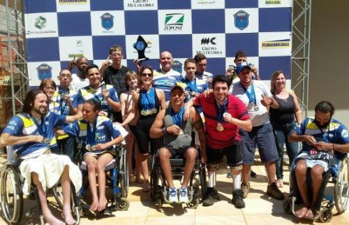 Assessoria/ Marcos Escrivani - Equipe de natação ACD de São Carlos conquistou o Open Paulista (foto: assessoria/ Marcos Escrivani)