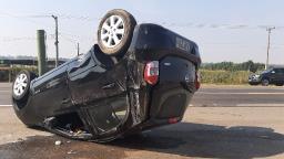 Motoristas sofrem ferimentos leves após colisão em Holambra