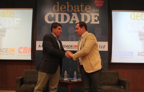 Matheus Urenha / A Cidade - Candidatos Duarte Nogueira (PSDB) e Ricardo Silva (PDT) participaram do Debate na Cidade