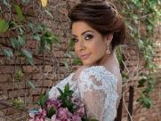 Estilo da noiva define como deve ser o cabelo e a maquiagem