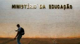 Bolsonaro anuncia Milton Ribeiro como novo ministro da Educação