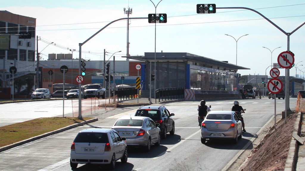 Novo trecho do BRT é liberado ao trânsito. (Foto: Luciano Claudino/Código 19) - Foto: Luciano Claudino/Código 19