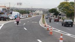 Jonas inaugura trecho do BRT na região do Santa Lúcia