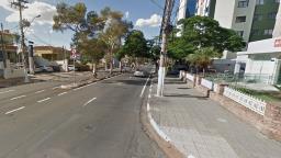 Árvore cai e complica trânsito na Barão de Itapura