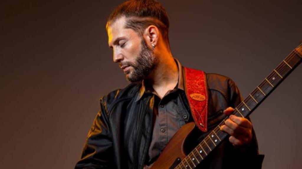 O guitarrista araraquarense Cleber Shimu é referência nacional de blues e rock (Foto: Divulgação) - Foto: Divulgação