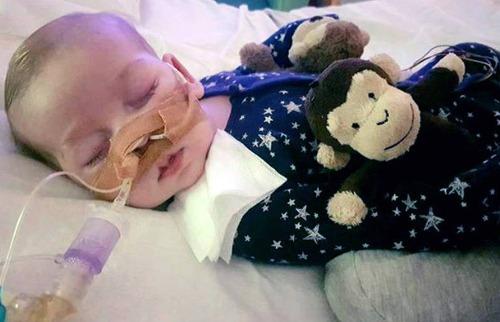 O pequeno Charlie Gard, de 11 meses, está internado em Londres - Foto: Divulgação