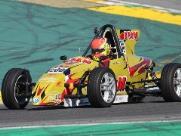 Campineiro de 14 anos disputa prova em Interlagos no sábado