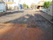 Moradores pedem solução para buracos na José Bonifácio