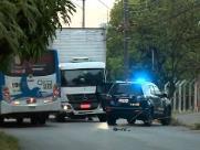 Suspeito de roubar caminhão é baleado e preso pela polícia