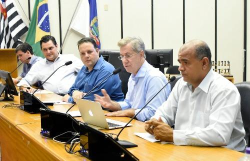 Thaisa Coroado / divulgação Câmara Municipal de Ribeirão Preto - Ortega vai à câmara explicar regularização (foto: Thaisa Coroado / divulgação Câmara Municipal de Ribeirão Preto)