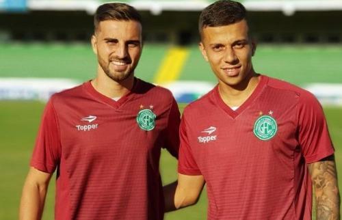 (Foto: Divulgação) - Os atletas assinaram contrato na tarde de quarta-feira (Foto: Divulgação)