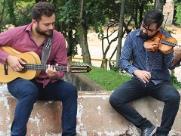 Casa de Vidro recebe show de viola caipira e violino