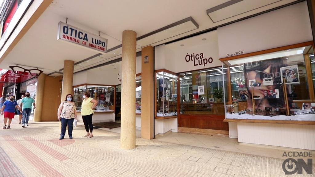 Ótica Lupo está a 122 anos na rua 2 de Araraquara (Foto: Amanda Rocha) - Foto: Amanda Rocha