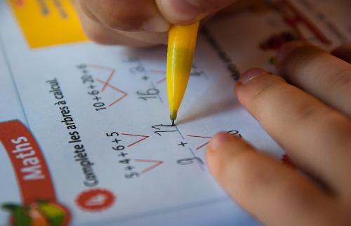 Divulgação - Pais devem redobrar a atenção com início da vida escolar de seus filhos