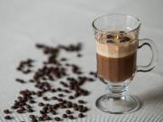 Café pode ser na xícara, na taça ou no prato