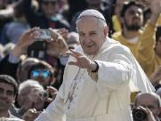 Papa pede que europeus recebam imigrantes resgatados no Mediterrâneo
