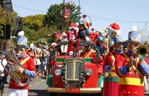 Da reportagem - Parada de Natal será na segunda, terça e quarta nas avenidas comerciais de Araraquara (Foto: ilustrativa)