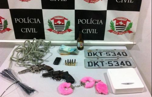 Parte do dinheiro do resgate foi recuperado; acusado ainda escondia armas e carro roubado. (ACidadeON) - Foto: ACidade ON - Araraquara