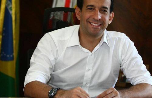 O prefeito reeleito de Santos, Paulo Alexandre Barbosa (PSDB) (foto: Divulgação / Facebook) - Foto: Divulgação / Facebook