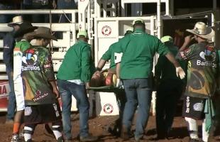 Reprodução - Peão ficou ferido em Barretos nesta sexta-feira (26)