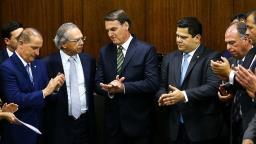 Decreto extingue 27,5 mil cargos obsoletos no governo federal