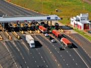 Mudança na concessão de rodovias tem pedágio mais barato e cobrança para motos