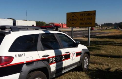 Perícia esteve no local para averiguar o acidente - Foto: ACidade ON - São Carlos