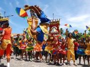 Você deveria pensar em passar o Carnaval em Pernambuco