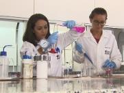 Pesquisadores da USP e da UFSCar alertam que corte de bolsas vai prejudicar a ciência e o país