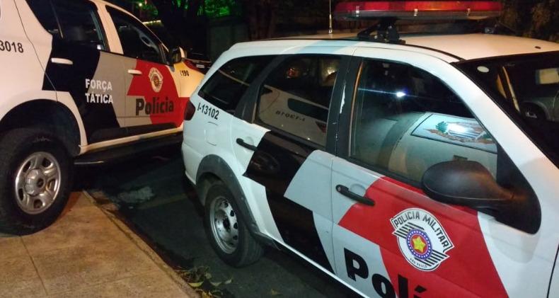 Homem armado rende jovem e rouba carro no Jardim Maria Luiza - ACidade ON