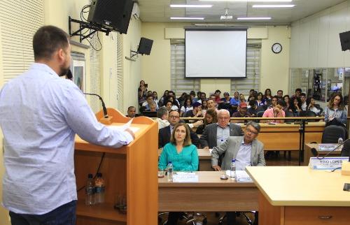 Da reportagem - Plenário mais uma vez ficou lotado na Câmara de Araraquara (Divulgação/Câmara)