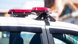 Jovem é perseguida por namorado e pede ajuda para a polícia