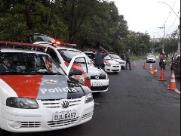 PM faz fiscalização criminal e de veículos em Araraquara