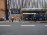Assaltos e arrastões assustam quem espera ônibus no Centro da cidade