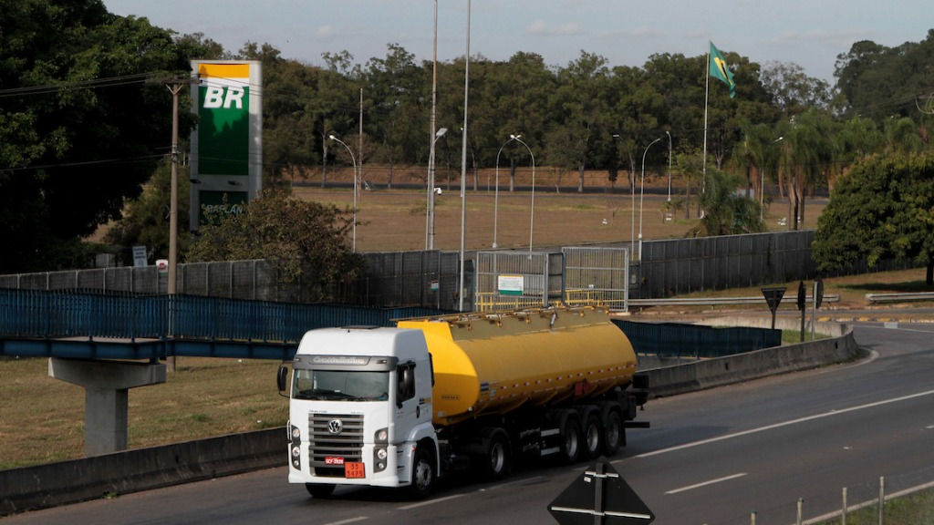 Preço do combustível sobe nas refinarias (Foto: Denny Cesare/Codigo19) - Foto: (Foto: Denny Cesare/Codigo19)